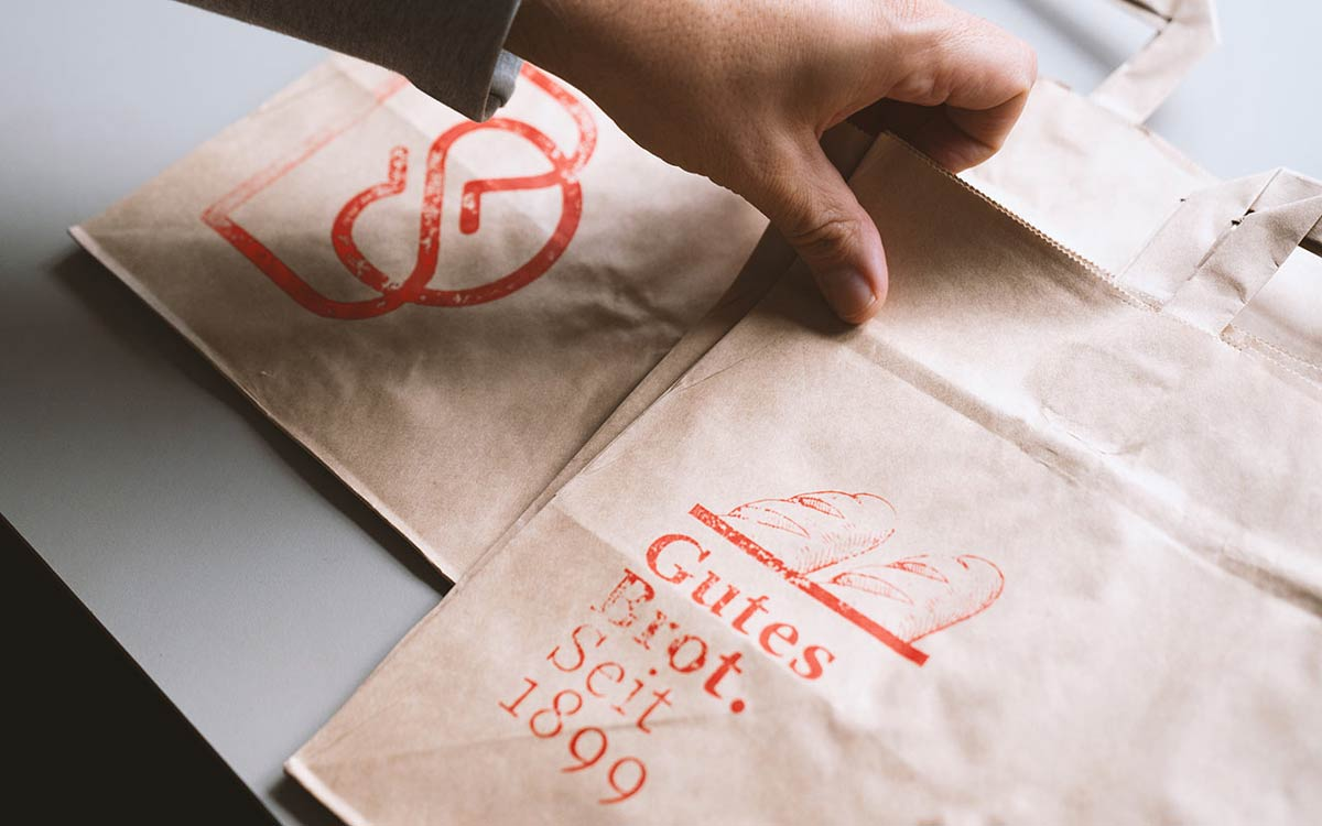 Bäckerei Dittmar / 121 year old bakery, family owned and driven since 1899 / Brand Identity / Communication / corporate clothing / packaging